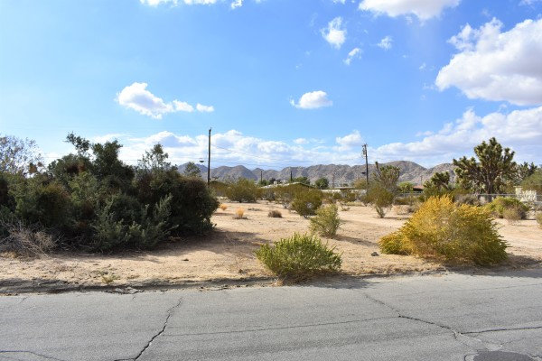 0.33 Acres for Sale in Yucca Valley, CA