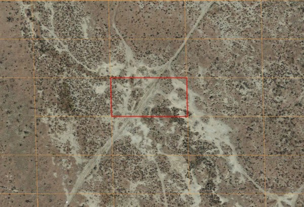 1.25 Acres for Sale in Roosevelt, CA