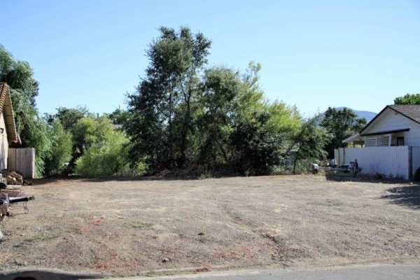 0.23 Acres for Sale in Clearlake Oaks, CA