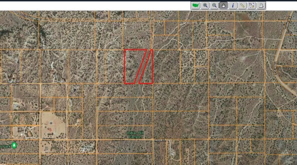 10.11 Acres for Sale in Juniper Hills, CA