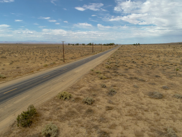 1.3 Acres for Sale in Lancaster, CA