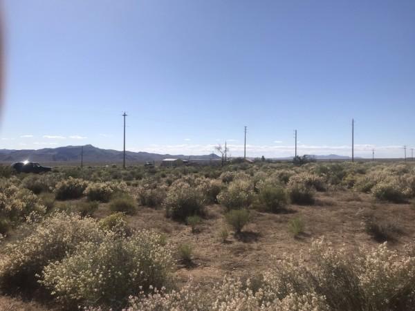 1.38 Acres for Sale in Golden Valley, AZ