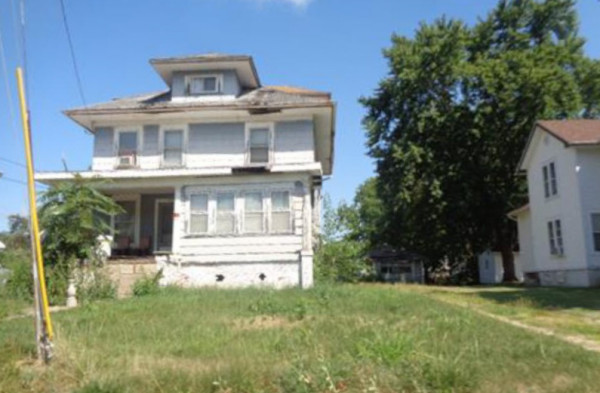 1932 Sq.Ft. for Sale in Galesburg, IL