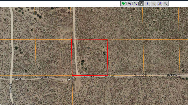 1.3 Acres for Sale in Llano, CA