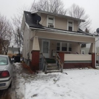 House for Sale in Akron, OH