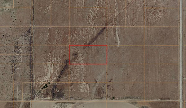 5 Acres for Sale in Roosevelt, CA