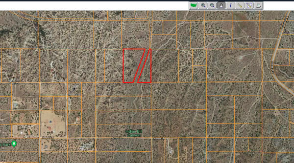 10.11 Acres for Sale in Juniper Hills, CA