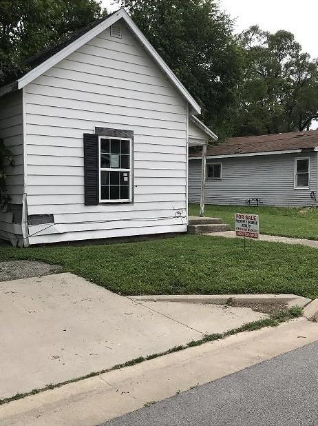 649 Sq.Ft. for Sale in Danville, IL