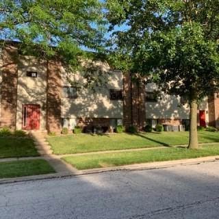 1150 Sq.Ft. for Sale in Bloomington, IL