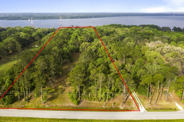 5.82 Acres for Sale in East Palatka, FL