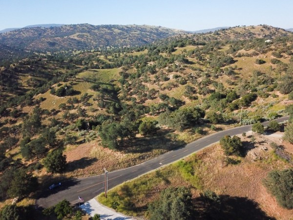 1.89 Acres for Sale in Stallion Springs, CA