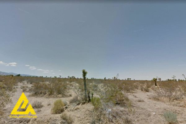 2.7 Acres for Sale in Phelan, CA