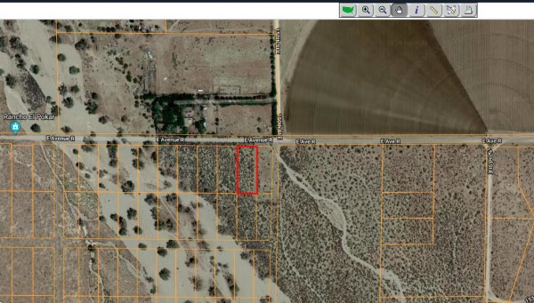 0.87 Acres for Sale in Palmdale, CA