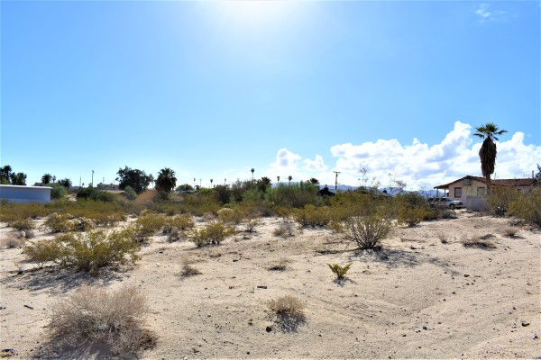 0.33 Acres for Sale in Twentynine Palms, CA