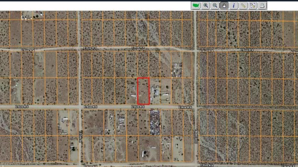 0.92 Acres for Sale in Palmdale, CA