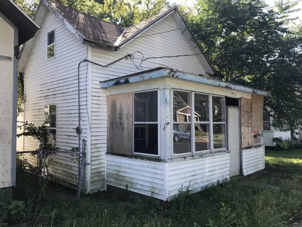 715 Sq.Ft. for Sale in Peoria, IL